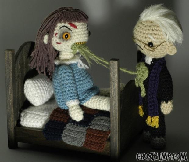 exorcist-playset-with-crosh