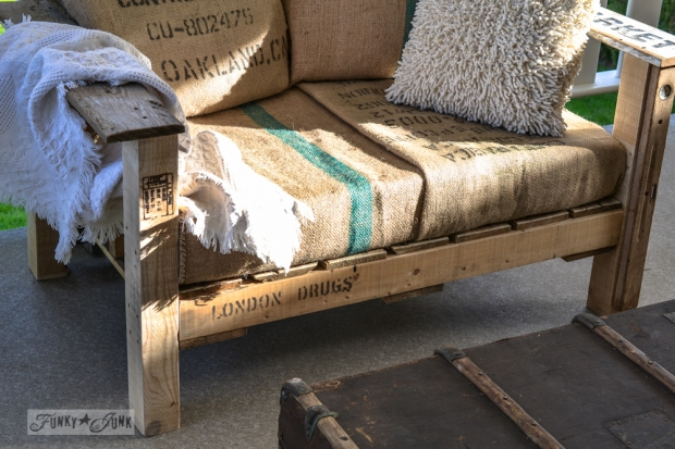 13-Pallet-wood-patio-chair-0652