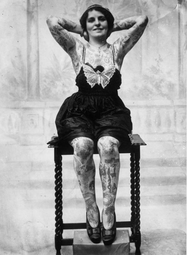 Old Photos of Women Rocking Tattoos (10)