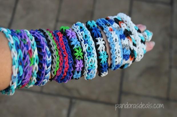Frozen-Inspired-Rainbow-Loom-Bracelets-1024x682