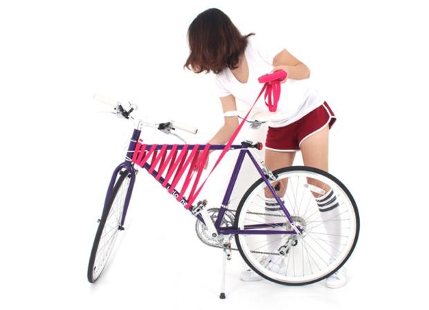 reel-elastic-bike-storage-system-designboom02
